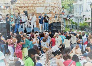 Dominikaner beim Tanzen